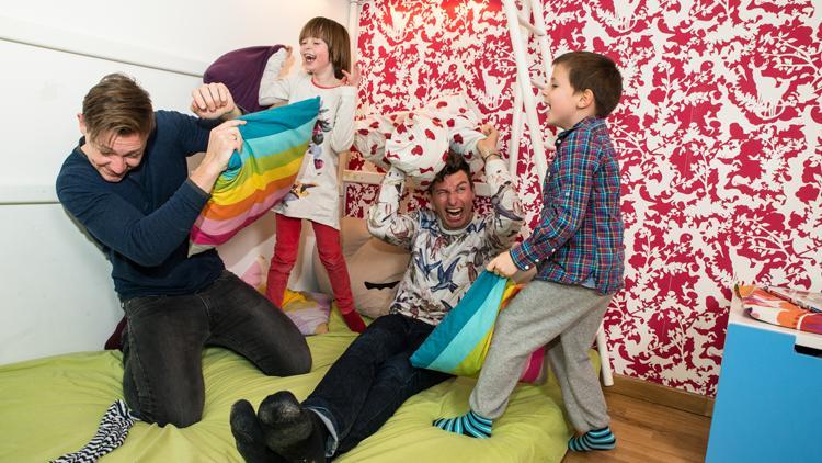 Lesbische Mädchen Fitting Zimmer